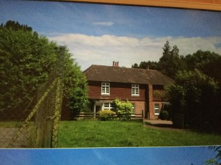 Historic Cottage with own tennis court to rent  near Bewl Water. - Wadhurst vacation rentals