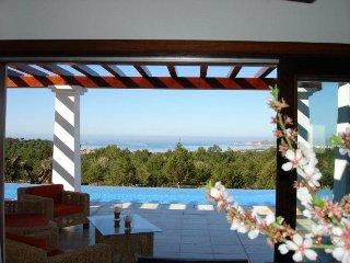 4 bedroom Villa in Cala Tarida, Islas Baleares, Ibiza : ref 2240105 - Cala Tarida vacation rentals