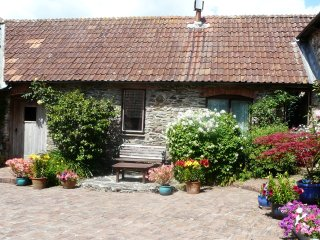 Lovely 1 bedroom Moreleigh House with Internet Access - Moreleigh vacation rentals