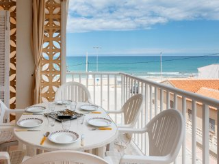 ESTURIÓ - Condo for 5 people in PILES - Platja de Piles vacation rentals