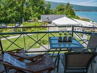 Baie des Voiles - Duplex 5 pers. Vue lac #207 - Duingt vacation rentals