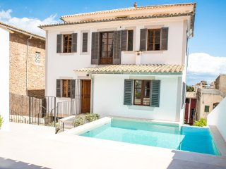 SARGANTANA - Villa for 16 people in el terreno - Cala Major vacation rentals