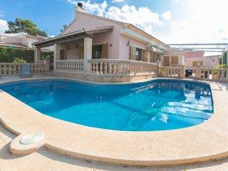 CAN FAMA - Villa for 6 people in Badia Gran - Badia Gran vacation rentals