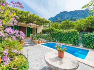 CACTUS - Villa for 8 people in FORNALUTX(cactus) - Biniaraix vacation rentals