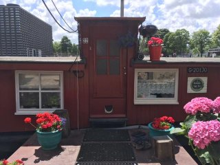 Houseboat Tante Piet & the Cat  Boebie - Amsterdam vacation rentals