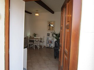 Gite d'Ecosse is a charming apartment in the heart of Azille, Minervois - Azille vacation rentals
