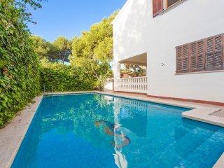VILLA ESPERANZA - Villa for 10 people in PLATGES DE MURO - Playa de Muro vacation rentals