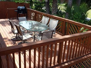 Lakeside Cottage, Walk to POOL, Beach, Lake, Pier Park & Frank Brown Sports Park - Panama City Beach vacation rentals