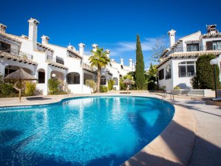 Nice Bungalow with Internet Access and Shared Outdoor Pool - Cabo Roig vacation rentals