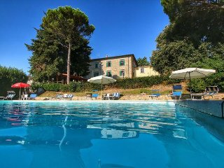 Nice Condo with Internet Access and Central Heating - Giano dell'Umbria vacation rentals