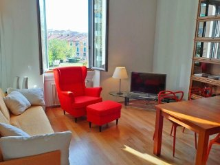 Strategic location in the Ticinese district, 5 minutes to Navigli e zona - Milan vacation rentals