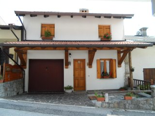 2 bedroom Bed and Breakfast with Housekeeping Included in Forgaria nel Friuli - Forgaria nel Friuli vacation rentals