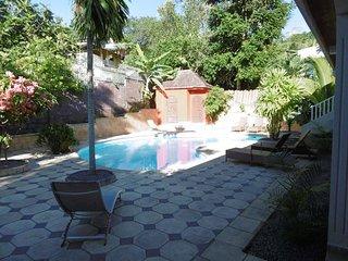 Grand studio meublé dans Lodge avec piscine - Kangani vacation rentals