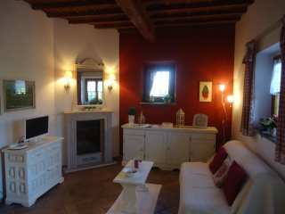 Nice Condo with Internet Access and Television - Badia A Settimo vacation rentals