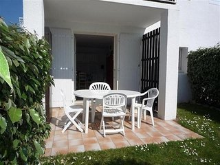 Romantic 1 bedroom Apartment in Chateau-d'Olonne with Television - Chateau-d'Olonne vacation rentals