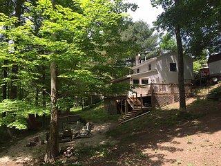Fisherman's Cottage at Burr Oak Lake State Park, near Ohio University & Athens - Glouster vacation rentals
