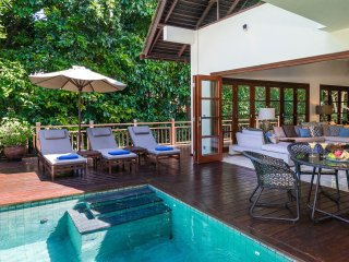 Beach club access, jacuzzi, bale. 4bdr Villa Indah - Ungasan vacation rentals