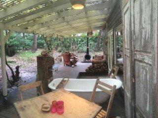 Romantisch overnachten, natuurhuisje, bossuite, sauna, vakantie bungalow - Overloon vacation rentals