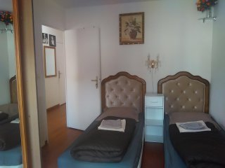 Private rooms for vacationn, short/Long duration - Évry vacation rentals