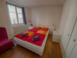 ZH Schmidgasse IV – HITrental Apartment Zurich - Zurich vacation rentals