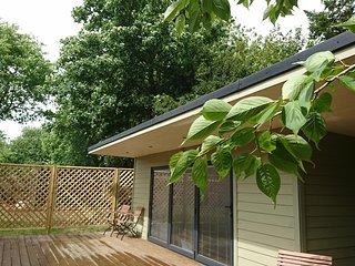 Birdsong Holiday Studio Harrietsham rural Maidstone - Harrietsham vacation rentals