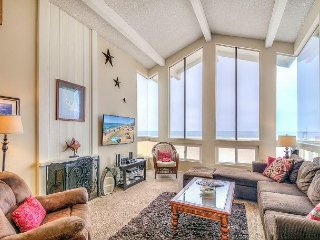 Stunning Scenes Of Sand And Sea! (Upper Unit) - Newport Beach vacation rentals