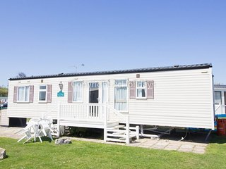80015 waterways at Hopton Holiday village 8 berth caravan to hire by the beach. - Hopton on Sea vacation rentals