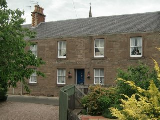 Beautiful House with Internet Access and Outdoor Dining Area - Forfar vacation rentals