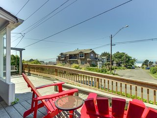 Dog-friendly, oceanview home - just two blocks to the beach! - Cannon Beach vacation rentals