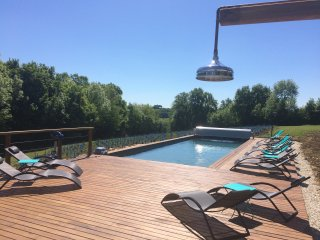 Stone gîte: Heated pool & jacuzzi 2-4 people close to Collonges la Rouge 60 m2. - Collonges-la-Rouge vacation rentals