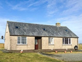 ST KILDA, open fire, set in lawned grounds, close to fishing and sandy bays - Tigh a' Gearraidh vacation rentals