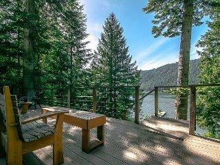 Fish Lake, Private Dock, Fido Friendly, Sleeps 8 - Plain vacation rentals