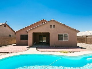 SWIMMING POOL VACATION RENTAL,  BUILT 2004, 2 Queens,1 Twin plus air matrress - Fort Mohave vacation rentals