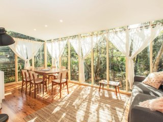 Relaxing family home in Sydney's Northern Beaches - Frenchs Forest vacation rentals