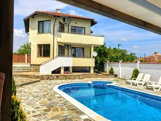 """Villa """"Topola Bey View"""" only 3 min from the Beach. - Topola vacation rentals"""