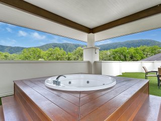 Sea Temple Palm Cove Private Penthouse 407 - Palm Cove vacation rentals