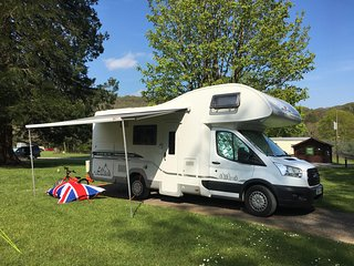 Billy - Glampervan UK - luxury motorhome for rent in High Wycombe - High Wycombe vacation rentals
