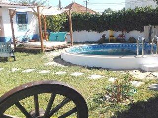 Villa o Rancho perto Lisboa e da praia, Wi-FI - Charneca da Caparica vacation rentals