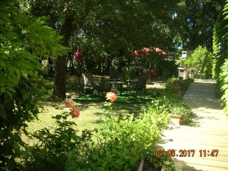 1 bedroom Bed and Breakfast with Internet Access in Arpaillargues - Arpaillargues vacation rentals
