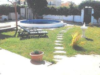 Villa for 2 to 5 persons near Lisbon, beach, Wi-fi - Charneca da Caparica vacation rentals
