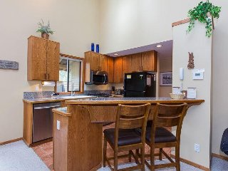 Relaxing North End Home w/Heated Floors in Kitchen & Bathrooms -Tokatee 38 - Sunriver vacation rentals