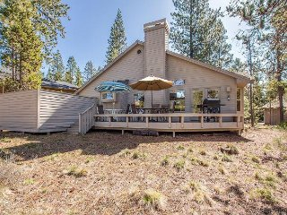2 Master Suites, A/C, walk to Deschutes River, Quiet Location - 7 Nine Iron - Sunriver vacation rentals