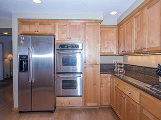 Plenty of Beds in This 5 Bdrm Home! Walk to Village and the SHARC -Muskrat 4 - Sunriver vacation rentals