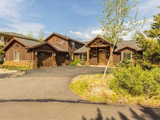 6 Master Suites,A/C,Game Room w/ Wet Bar,Pool Table & Arcade Games-Mulligan 5 - Sunriver vacation rentals