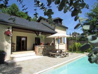 Nice 3 bedroom House in Vieillevie - Vieillevie vacation rentals