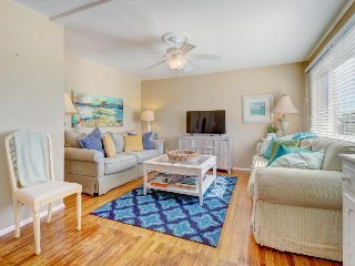 Bright, remodeled home w/ patio & grill - close to town, parks & the beach! - Grover Beach vacation rentals
