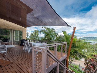 Spacious 4 bedroom House in Airlie Beach - Airlie Beach vacation rentals