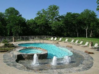 Gorgeous Guadalupe River Condo - New Braunfels vacation rentals