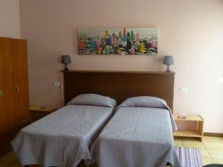 Cozy 1 bedroom Alzano Lombardo Apartment with Central Heating - Alzano Lombardo vacation rentals