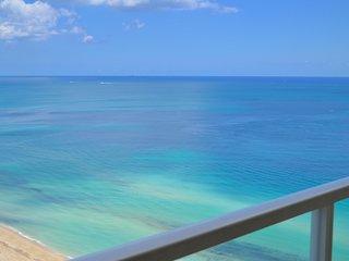 BEAUTIFUL OCEAN VIEWS! LARGE CONDO, MODERN DECOR! - Sunny Isles Beach vacation rentals